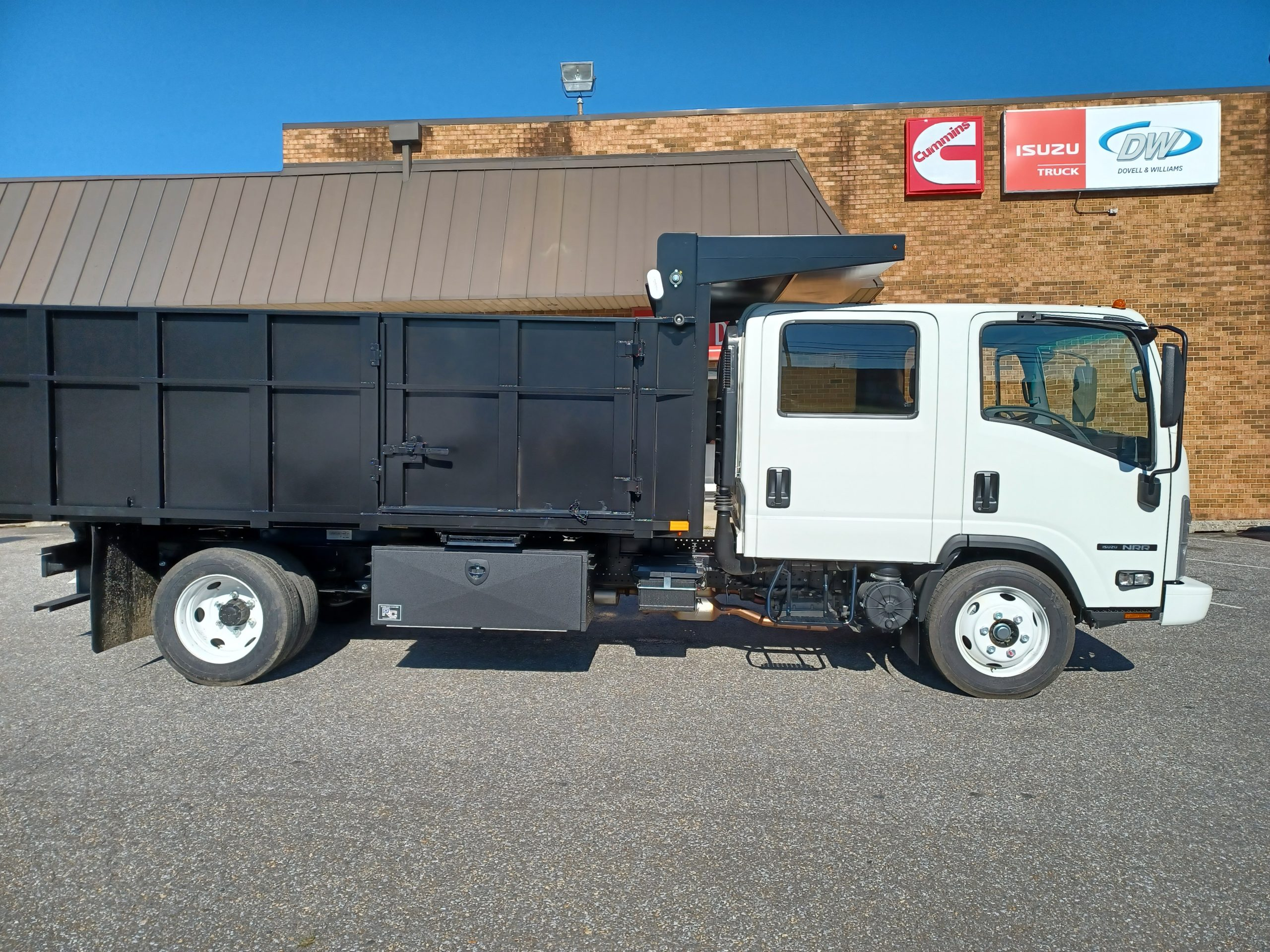 2021 NRR Dump Body 19500gvwr Gas Motor Payload of 8500lbs Crew Cab 7 passenger seating 20210903_092621-scaled