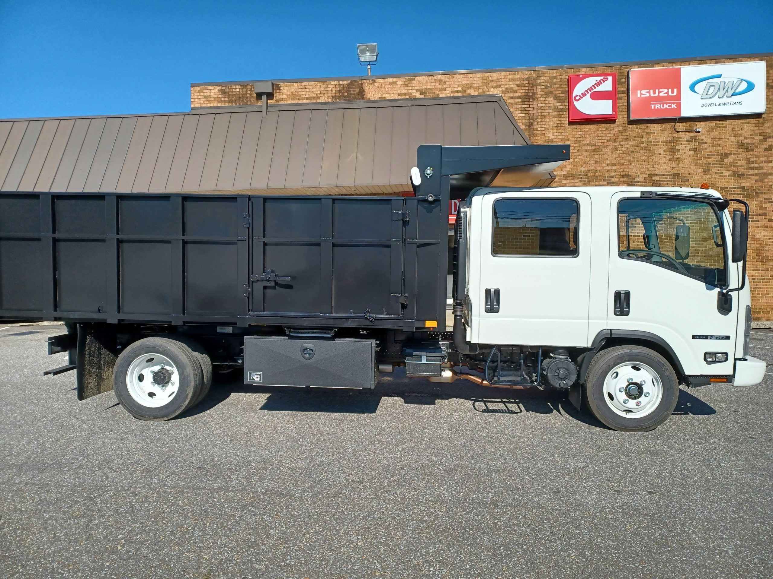 2021 NRR Dump Body 19500gvwr Gas Motor Payload of 8500lbs Crew Cab 7 passenger seating 20210903_092624-scaled