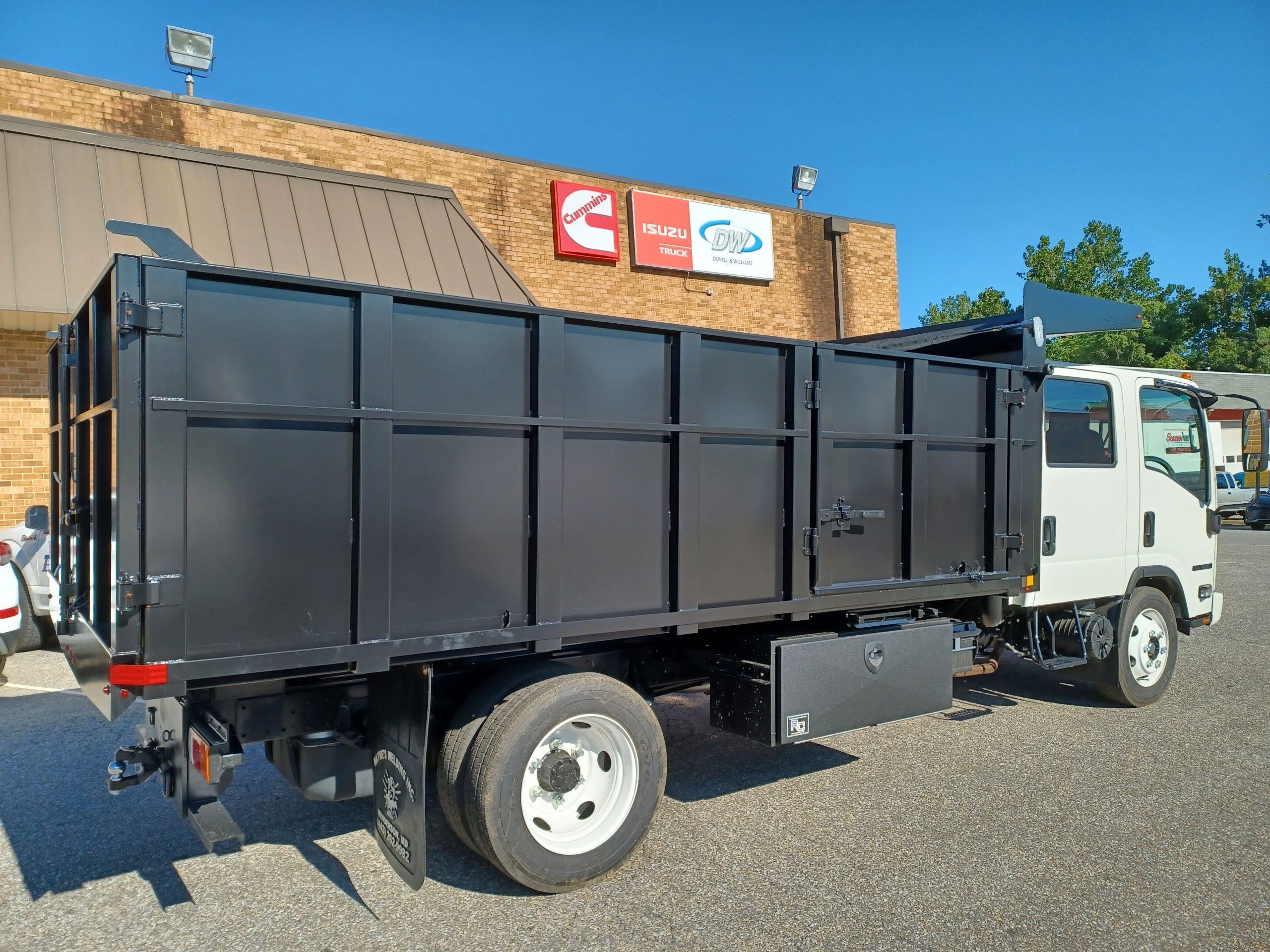 2021 NRR Dump Body 19500gvwr Gas Motor Payload of 8500lbs Crew Cab 7 passenger seating 20210903_092639-scaled
