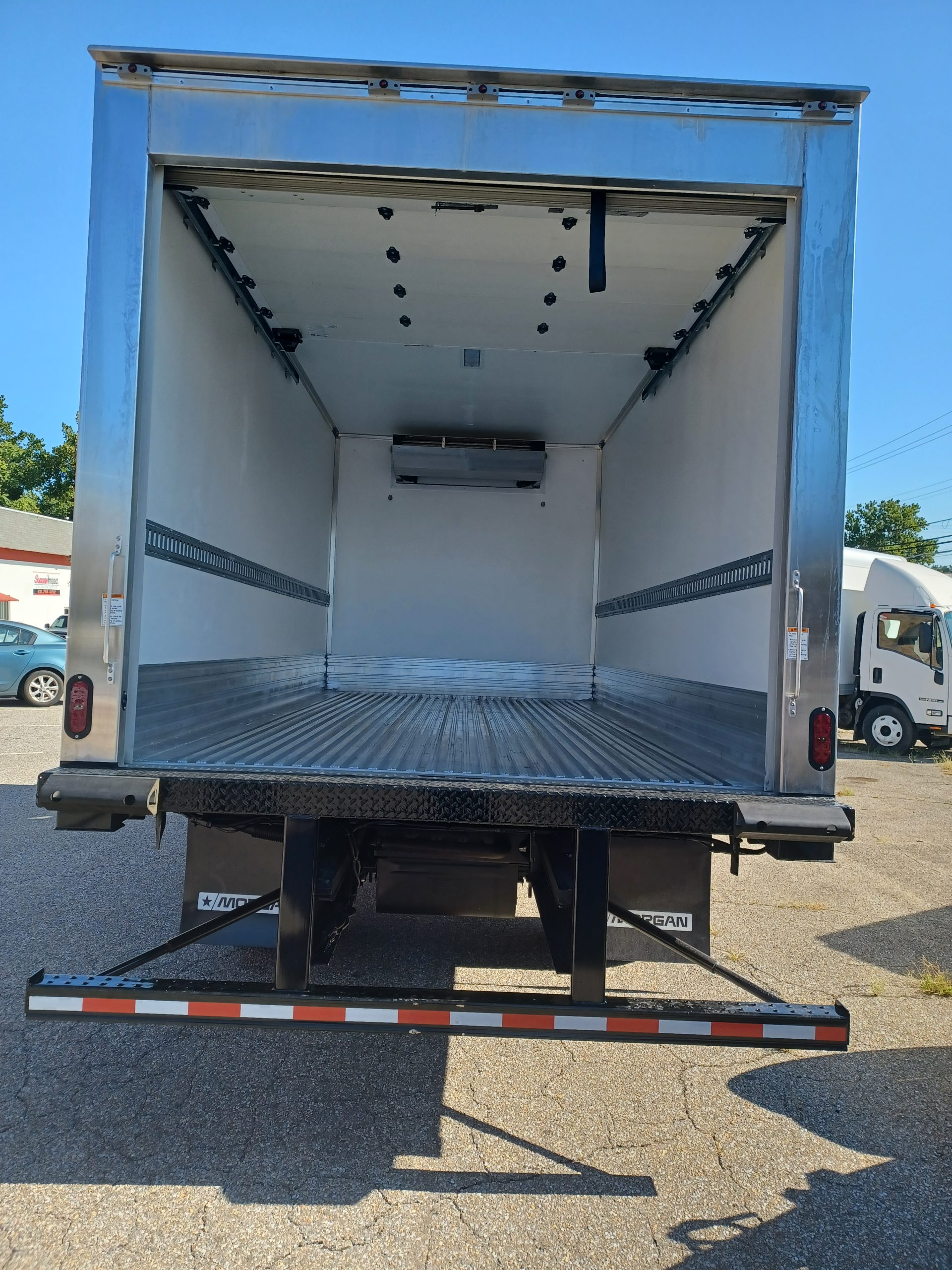 2022 NRR Refrigerated Truck Diesel 3 year Unlimited Mile Warranty 20210903_094550-scaled