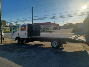 2021 NPR HD GAS MOTOR FLAT BED WITH DOVETAIL CREW CAB SEATS 7 20211020_084749-150x150